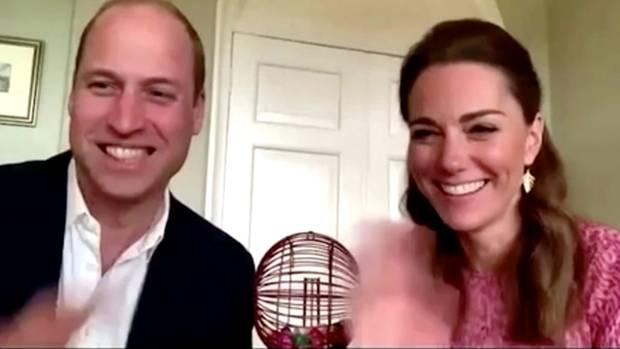 Kate und William spielen mit Senioren Bingo