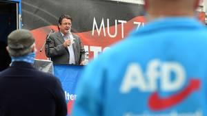 AfD-Parteivize Stephan Brandner auf einer Kundgebung in Dessau-Roßlau