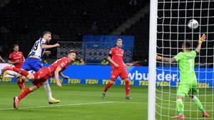 Berliner Stadt-Derby in der Bundesliga: Vedad Ibisevic trifft zum 1:0 für Hertha BSC gegen Union Berlin