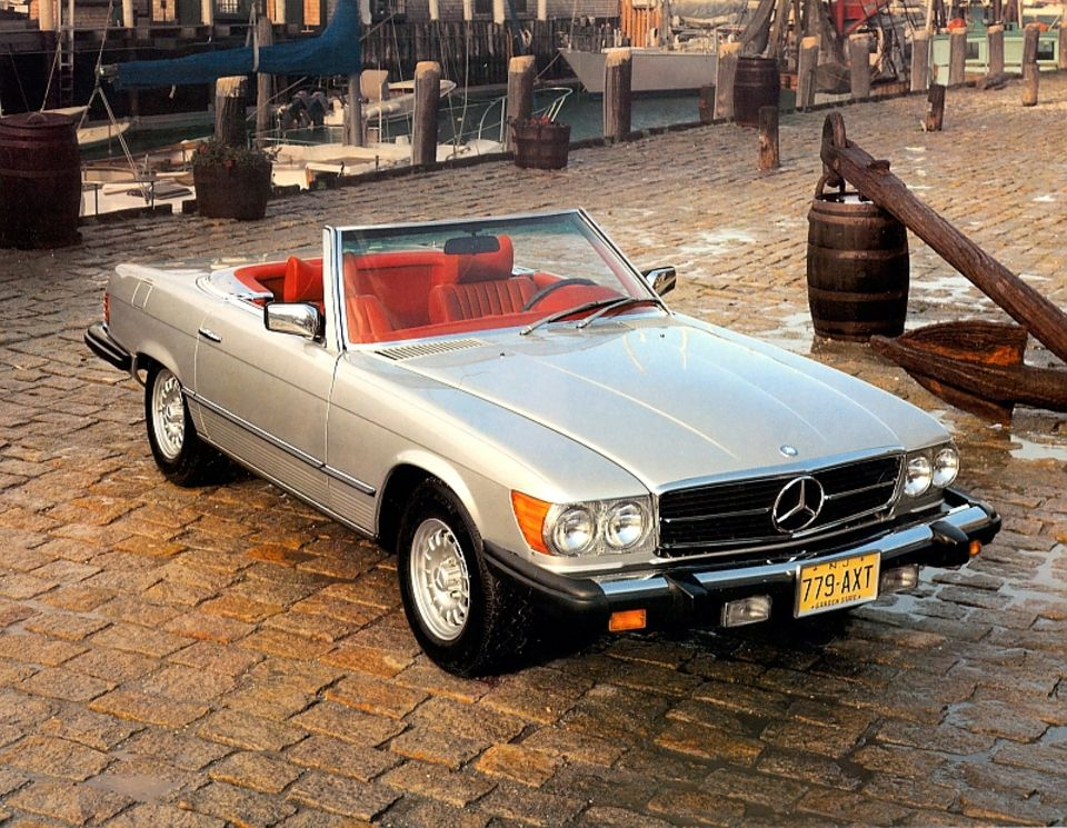 Mercedes SL Baureihe R 107 mit Ersatzteilen aus dem 3D-Drucker