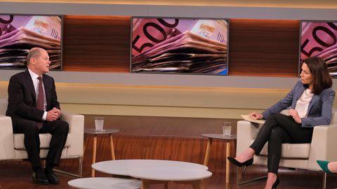 Finanzminister Olaf Scholz und Anne Will in der Talksendung