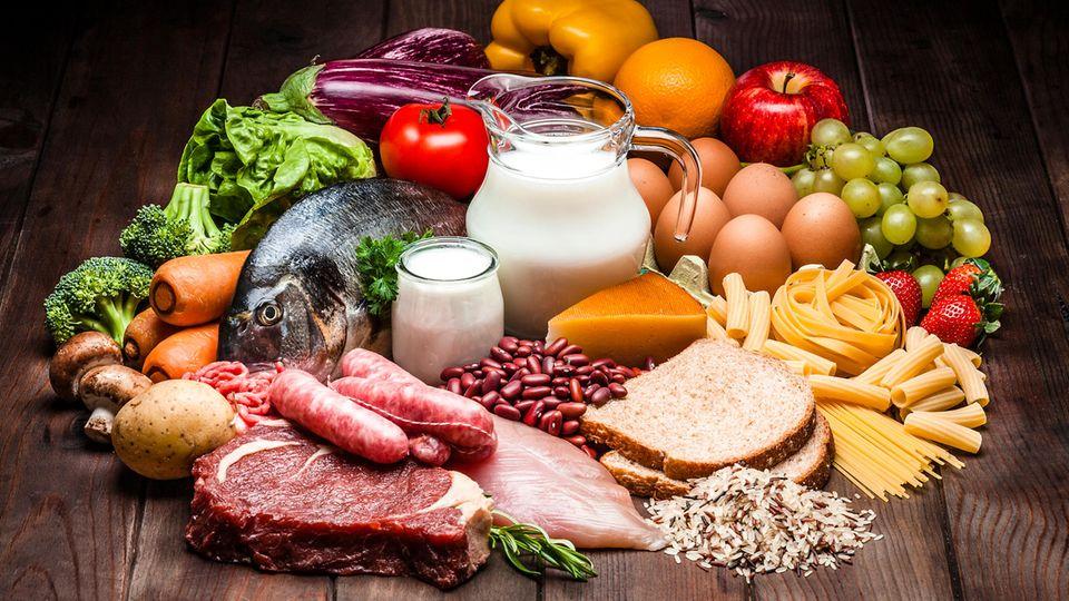 Gesünder essen: Fasten, Low Carb oder Kalorien zählen? Diäten im Check - und wie Sie sich gesund ernähren