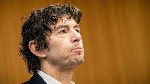 Virologe Christian Drosten schaut kritisch