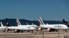 Als erste Airline haben sich die Franzosen von allen zehn A380-Exemplaren für immer getrennt. Links daneben einer von 17 Airbus A340-600 der Lufthansa. Auch diesenMaschinentyp hat Lufthansa komplett ausgemustert. Eine Rückkehr zur aktiven Flotte bleibt ungewiss.
