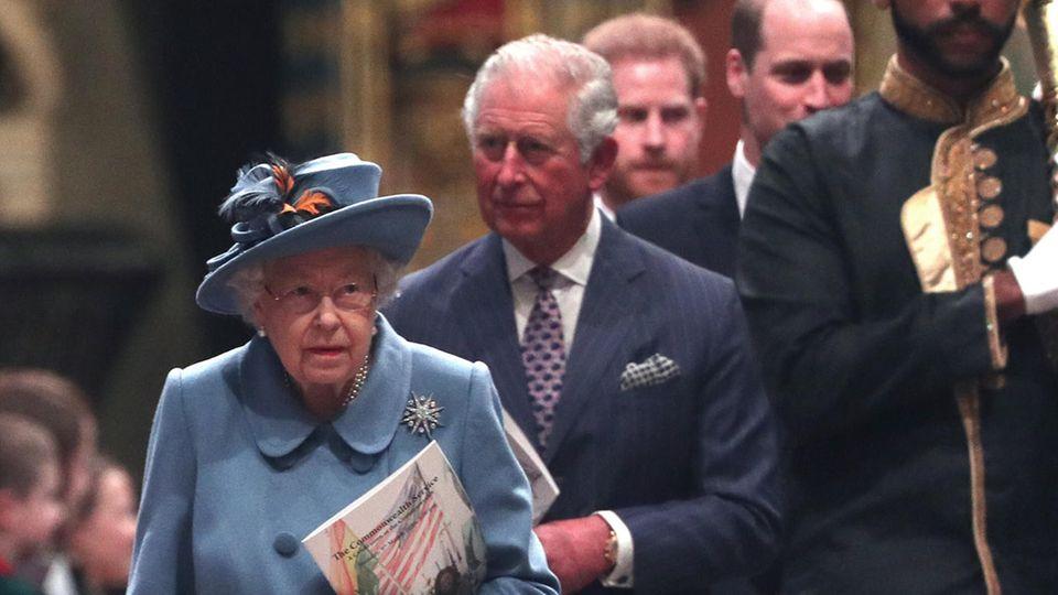 Queen Elizabeth und Prinz Charles