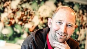 Dieter Eilts, 55, heute. Er lebt in Bremen, wo er als Erzieher arbeitet