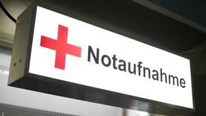 Notaufnahme-Schild als Symbolfoto für Nachrichten aus Deutschland