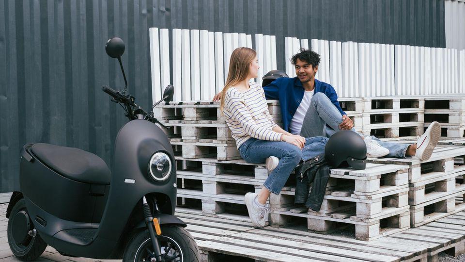Der Unu-Scooter soll bequem zwei Personen mit Gepäck befödern können.