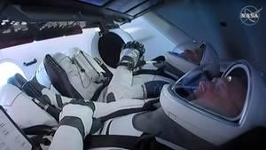 Astronauten in Raumschiff