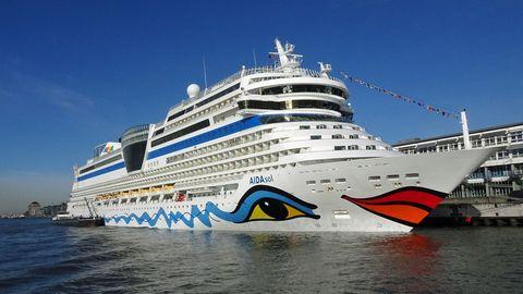 "Die ""Aida Sol"" am Cruise Terminal Altona im Hamburger Hafen"