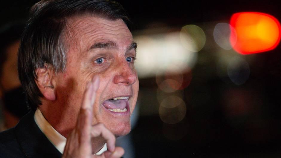 Brasilien: Wegen Ermittlungen gegen seine Anhänger: Präsident Bolsonaro droht oberstem Gericht