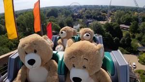 Teddybären auf Achterbahn im Walibi Holland Freizeitpark