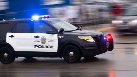 Ein Polizeiwagen mit der Nummer 181ist in der Innenstadt von Minneapolis im Einsatz