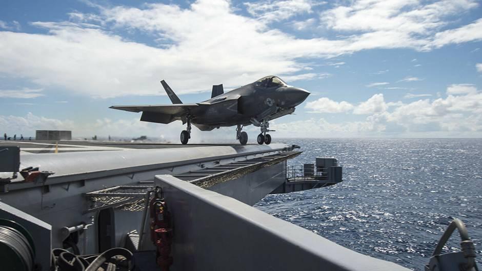 Eine F-35Cbei einem geglückten Start.