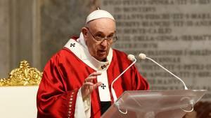 Papst Franziskus, hierwährend der Pfingstmesse im Petersdom