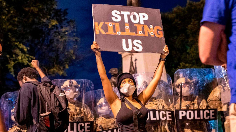 """Demonstrantin in Washington, D. C.: """"Hört auf, uns zu töten!"""""""