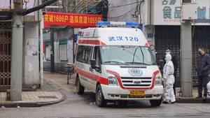 Mit Krankenwagen wurden verletzte Kinder ins Krankenhaus transportiert (Symbolbild)