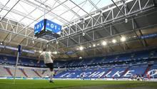 Die leere Schalke-Arena beim letzten Heimspiel gegen Werder Bremen