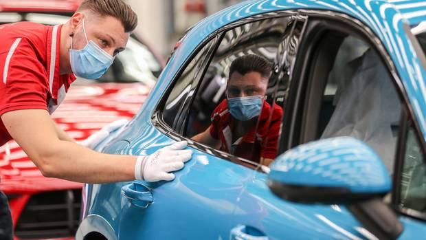 Immer mehr PS, als gäbe es kein Morgen, politisch ist die Autoindustrie am Ende der Sackgasse angekommen.