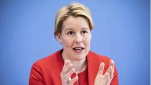 FamilienministerinFranziska Giffey (Archivbild) hat Details zur Auszahlung des Kinderbonus genannt