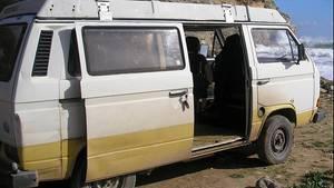 Das vom Bundeskriminalamt zur Verfügung gestellte Bild zeigt einen Caravan vom Typ VW T3 Westfalia