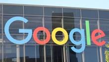 Google-Schriftzug an Fassade des Hauptsitzes