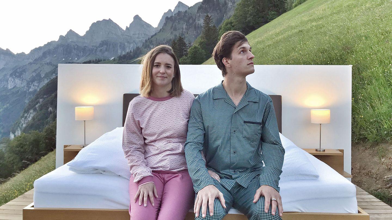 Bild 1 von 15der Fotostrecke zum Klicken  Lüsis Suite der Ferienregion Heidiland Gemeinde in Walenstadt  Diese 1300 Meter hoch gelegene Suite befindet sich auf einem Hochplateau, mit Aussicht auf den Walensee, die Glarner Alpen und das Sarganserland.