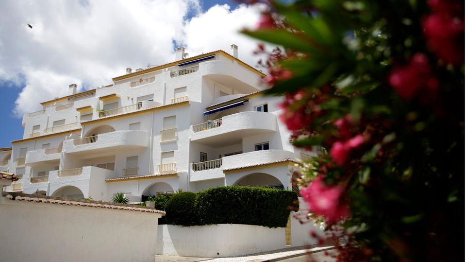 Der Appartmentkomplex in Praia da Luz an der portugiesischen Algarveküste