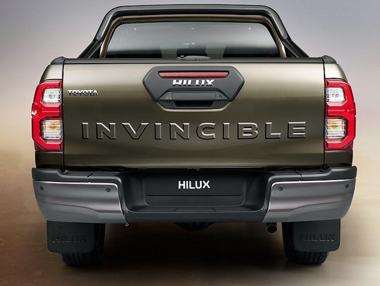 Toyota Hilux 2 8 D 4d Helfersyndrom Stern De