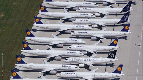 Noch hat die LufthansaDutzende ihrer Airbus A320 auf dem Flughafen BER abgestellt
