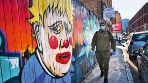 Johnson als Clown in Ost-London