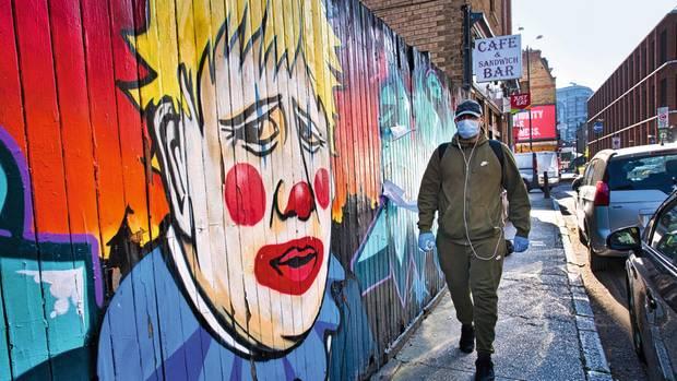 Johnson als Clown in Ost-London