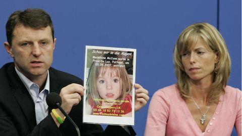 Kate und Gerry McCann mit einem Bild ihrer Tochter