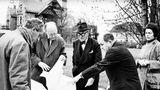 Ein Blick zurück:Willy Boesiger, Adolf Wasserfallen, Le Corbusier, Pierre Zbinden und Heidi Weber bei der Besichtigung der künftigen Baustelle des Centre Le Corbusier im November 1960.