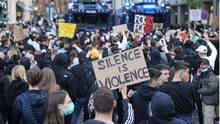 In Deutschland demonstrierten so wie hier in Hamburg zuletzt zehntausende Menschen gegen Rassismus