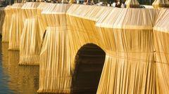 Der verhüllte Pont Neuf in Paris