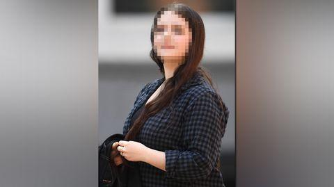"""Britisches Gericht verurteilt """"Miss Hitler"""" und weitere Neonazis zu Haftstrafen"""