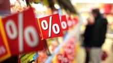 Ein Lebensmittelregal im Supermarkt: weniger Mehrwersteuer, mehr Geld?