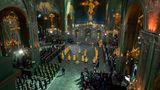 """Mitglieder des russischen Militärs nehmen an einer Zeremonie zur Einweihung der """"Kirche des Sieges""""teil"""