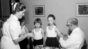 Polio-Impfung bei Schulkindern