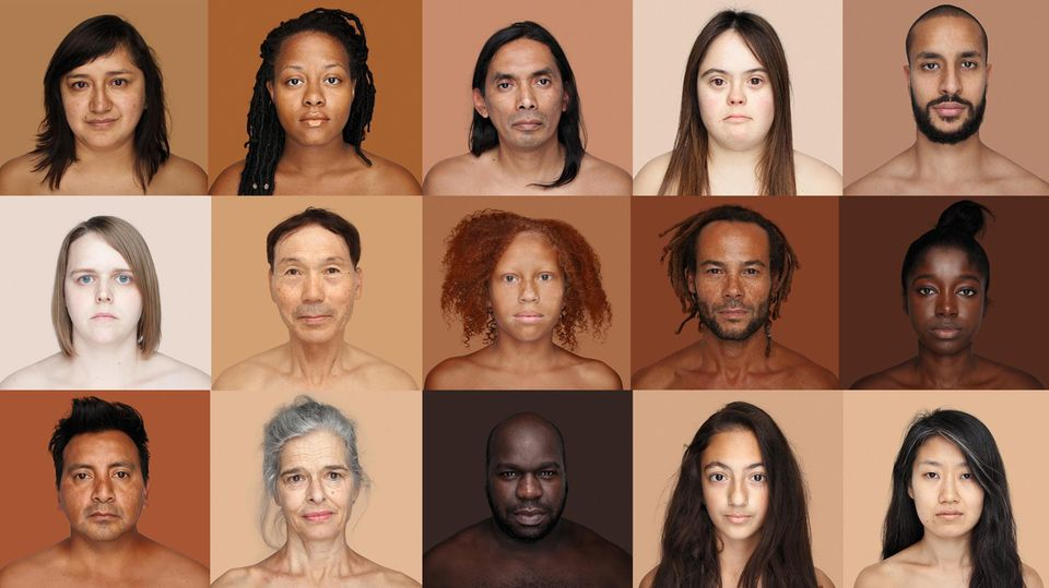 Menschen unterschiedlicher Hautfarbe