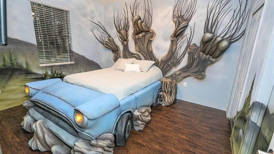 Schlafzimmer mit fliegendem Auto
