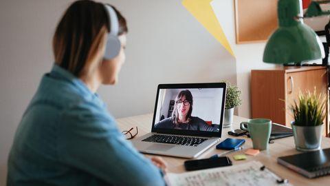 Zuhause arbeiten:  Segnung Homeoffice? Naja. Über die Geister, die Videocalls in unser Leben spülen