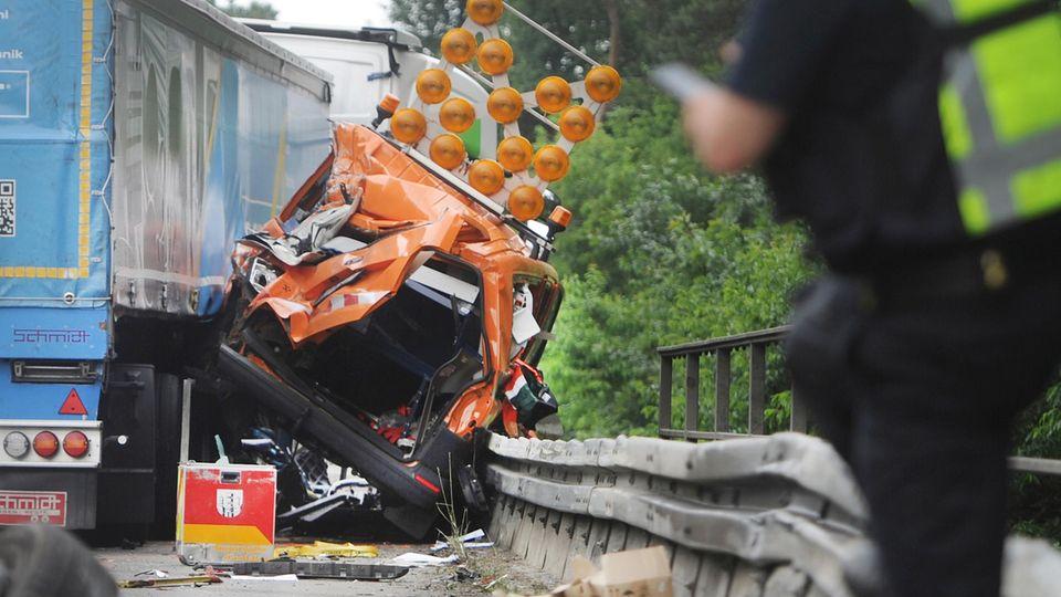 Nachrichten aus Deutschland – Schwerer Lkw-Unfall auf der A3 bei Dinslaken