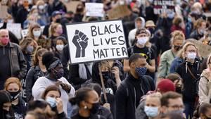 Anti-Rassismus-Demonstration von Black Lives Matter in der Deutzer Werft inKöln.