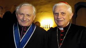 Georg Ratzinger (links) und Papst Benedikt XVI.