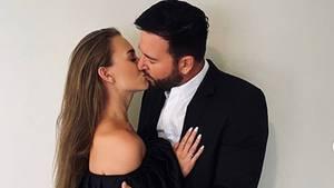 Sie liebt den Wendler: Das Hochzeitsfoto von Laura und Michael Norberg