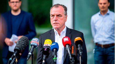 "Will ""an vorderster Front"" gegen diese Krise kämpfen: Firmenboss Clemens Tönnies"