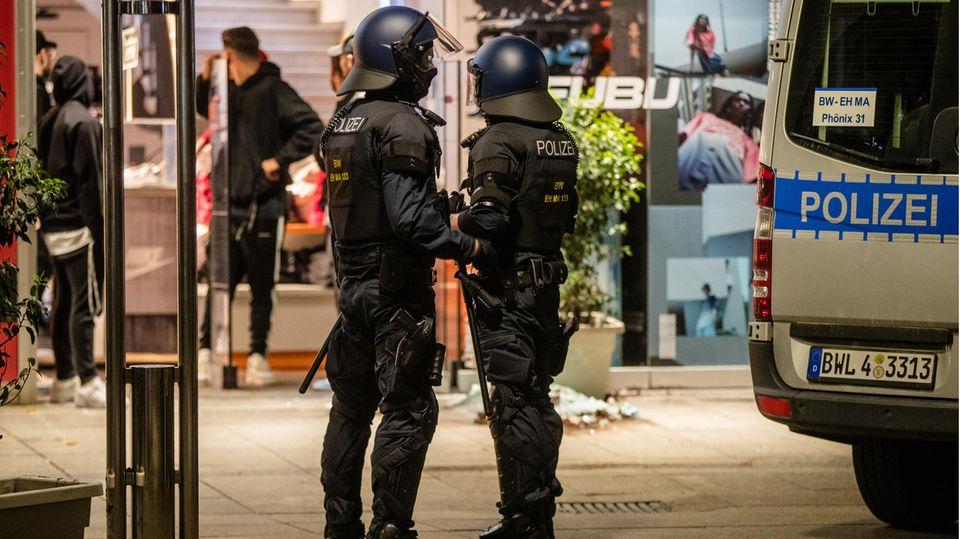 In Stuttgart ist es zu Ausschreitungen und Plünderungen gekommen.