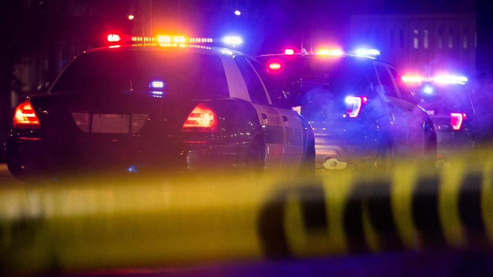 Bei einer Schießerei in Minneapolis ist ein Mann getötet worden, elf Menschen wurden verletzt.